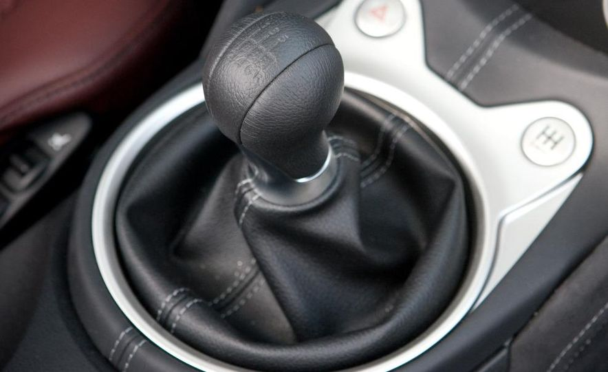 2010 Nissan 370Z roadster - Slide 25