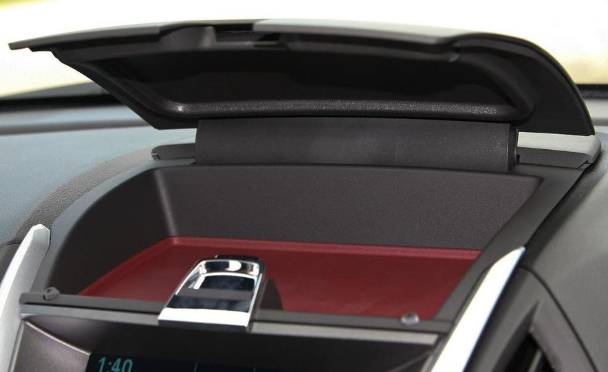 2010 Chevrolet Equinox LT - Slide 31