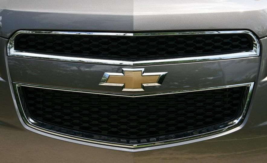 2010 Chevrolet Equinox LT - Slide 2