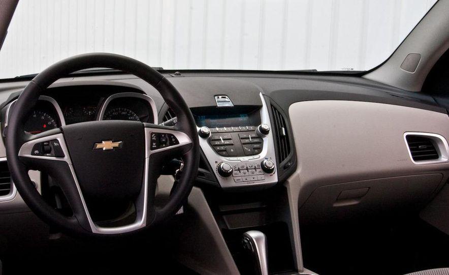 2010 Chevrolet Equinox LT - Slide 27