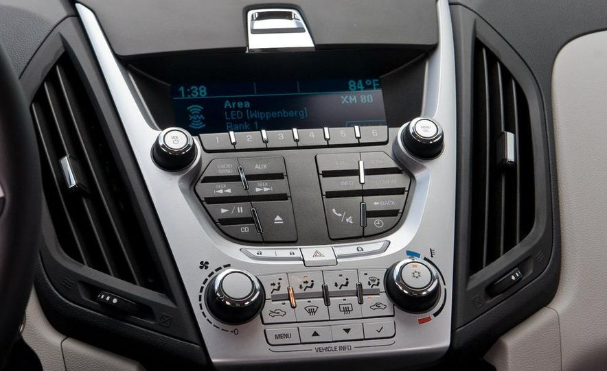 2010 Chevrolet Equinox LT - Slide 28