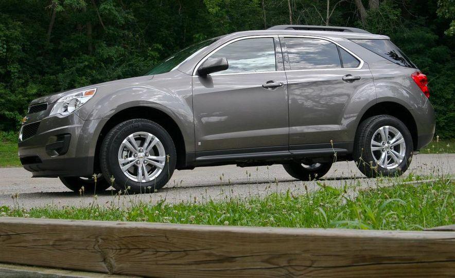 2010 Chevrolet Equinox LT - Slide 10