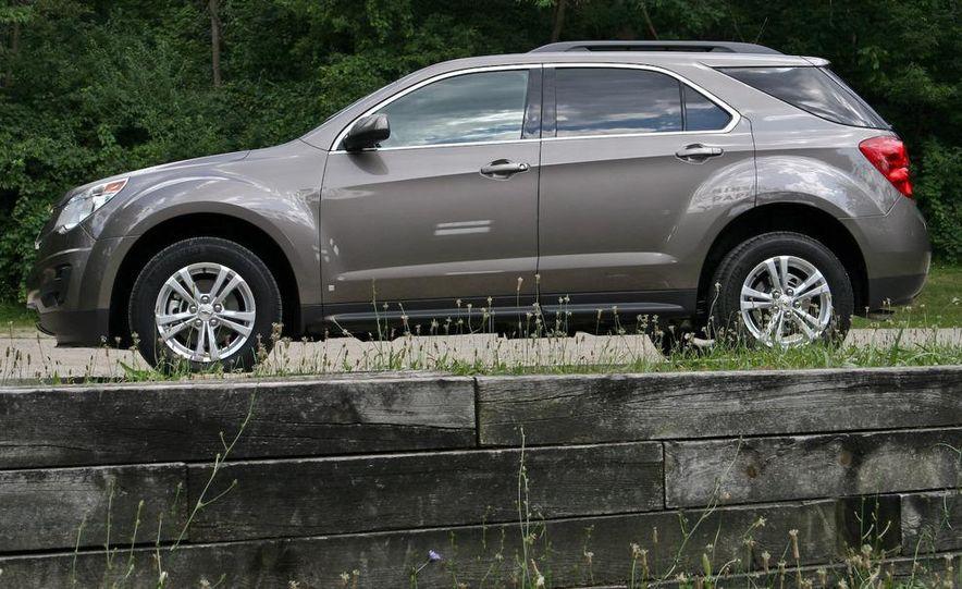 2010 Chevrolet Equinox LT - Slide 11