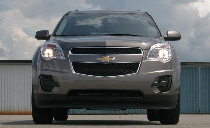 2010 Chevrolet Equinox LT - Slide 24
