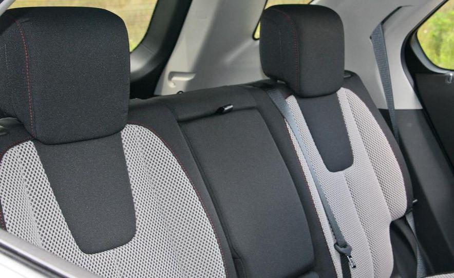 2010 Chevrolet Equinox LT - Slide 37