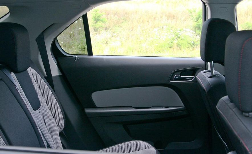 2010 Chevrolet Equinox LT - Slide 38