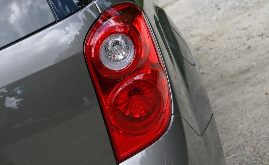 2010 Chevrolet Equinox LT - Slide 6