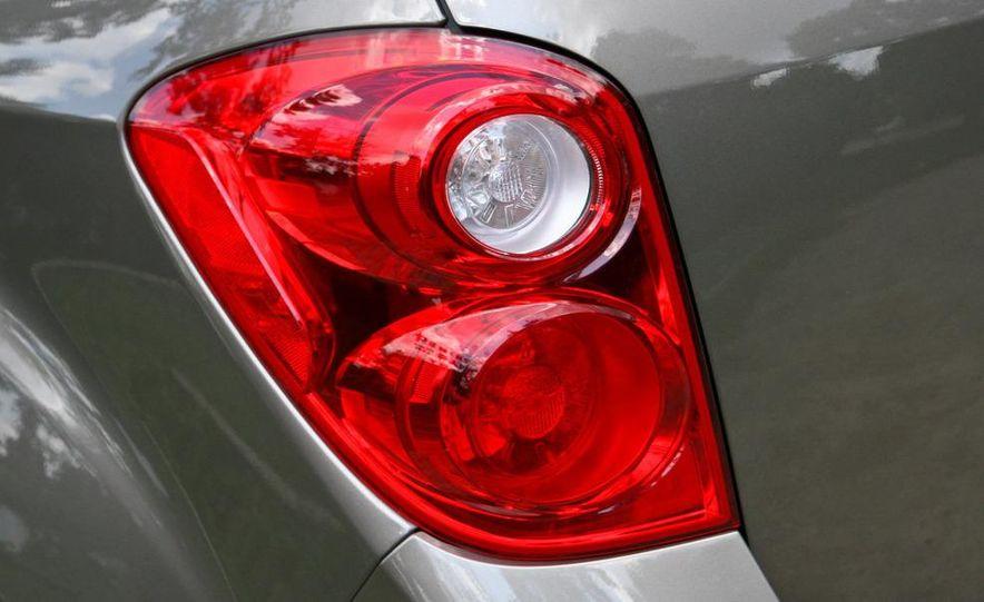 2010 Chevrolet Equinox LT - Slide 7