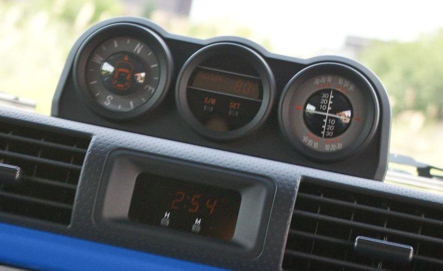 2009 Toyota FJ Cruiser door badge - Slide 36