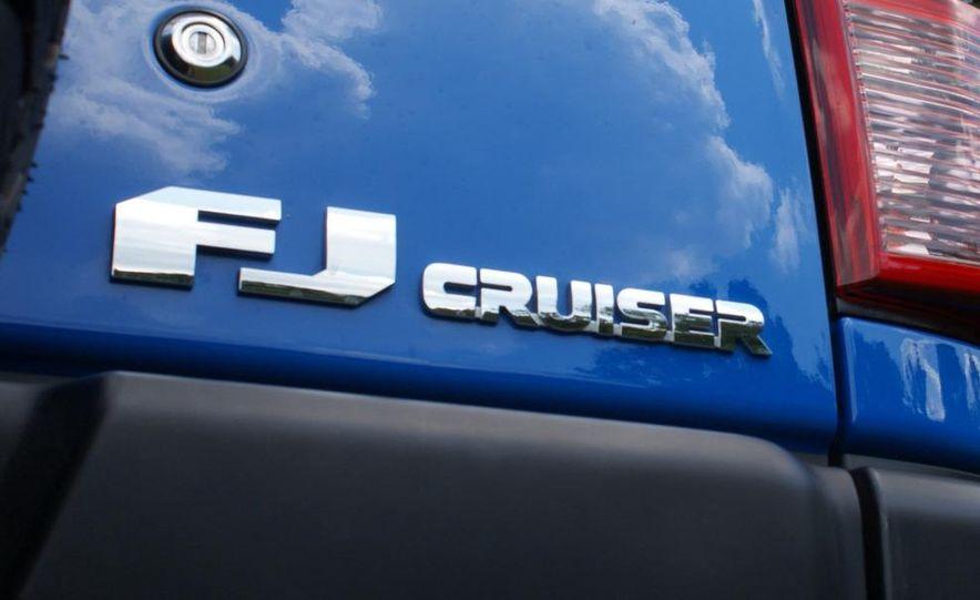 2009 Toyota FJ Cruiser door badge - Slide 1