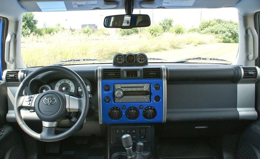 2009 Toyota FJ Cruiser door badge - Slide 13