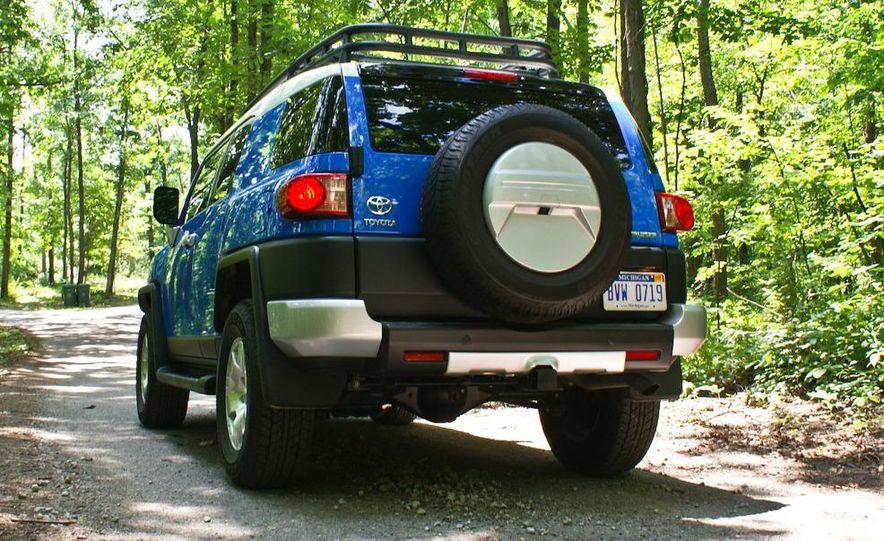2009 Toyota FJ Cruiser door badge - Slide 3