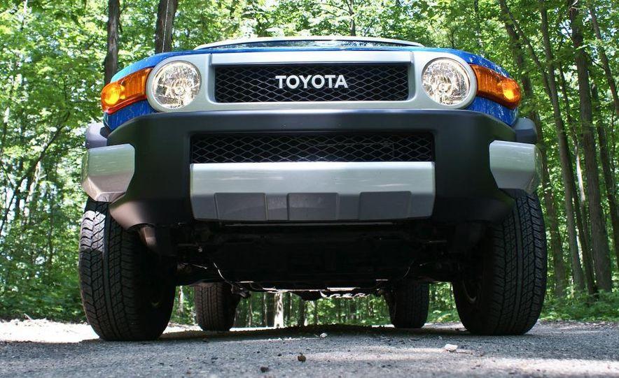 2009 Toyota FJ Cruiser door badge - Slide 6