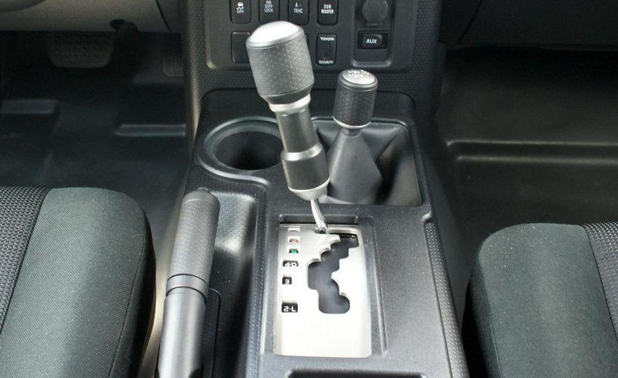 2009 Toyota FJ Cruiser door badge - Slide 15
