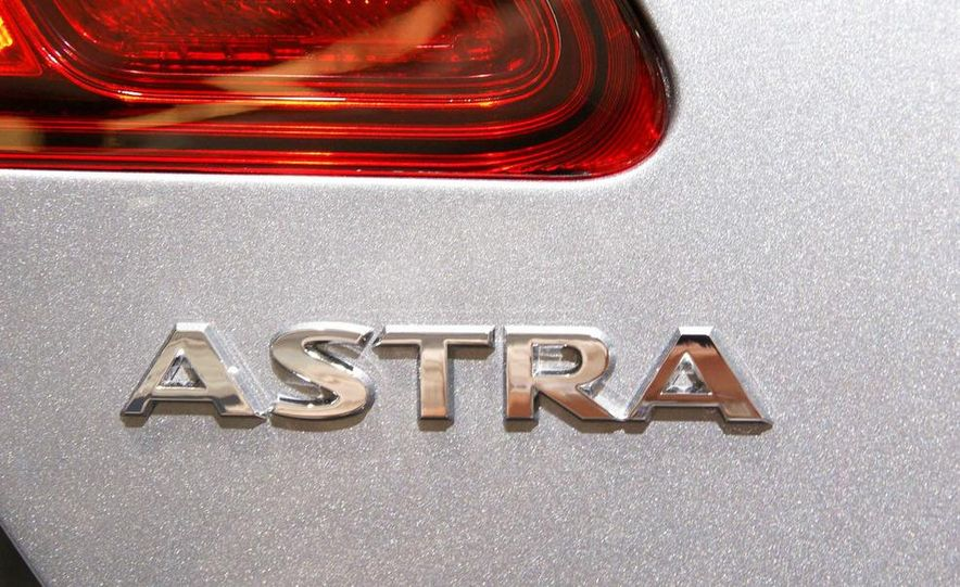 2010 Opel Astra Turbo - Slide 14