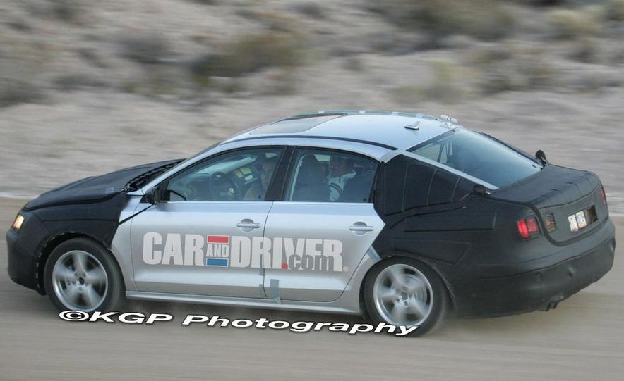 2011 Volkswagen Jetta (spy photo) - Slide 9
