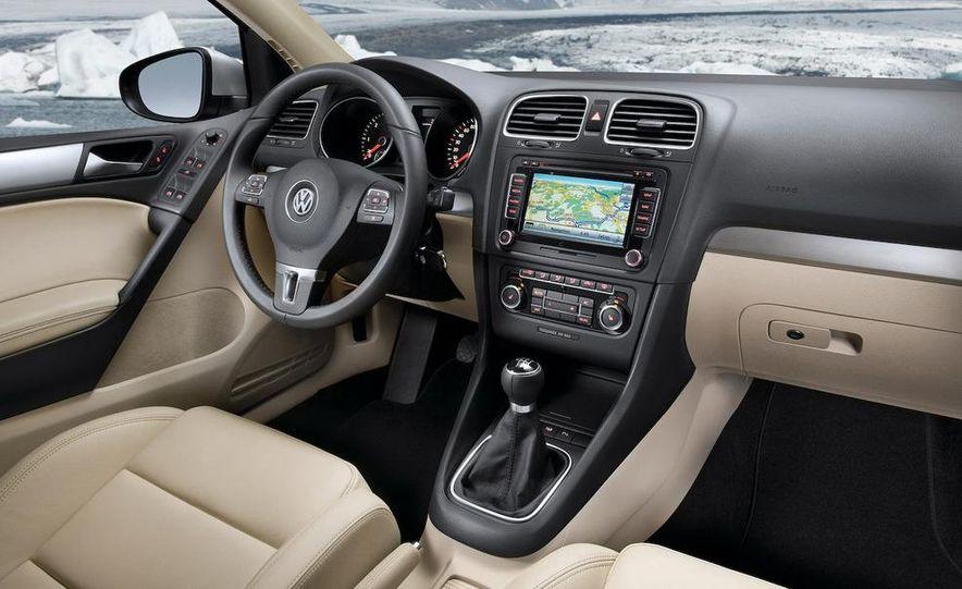 2009 / 2010 Volkswagen Golf VI 2.0 TDI Diesel (European spec) - Slide 13