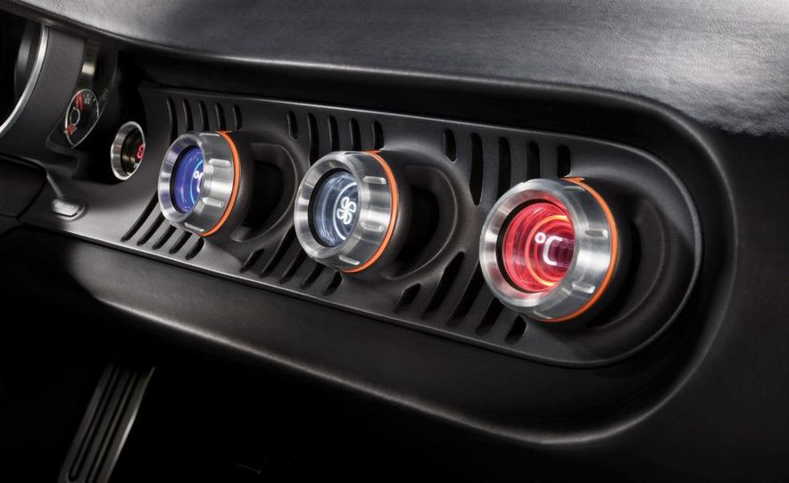 2009 / 2010 Volkswagen Golf VI 2.0 TDI Diesel (European spec) - Slide 50