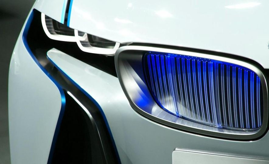 BMW Vision EfficientDynamics Concept - Slide 27