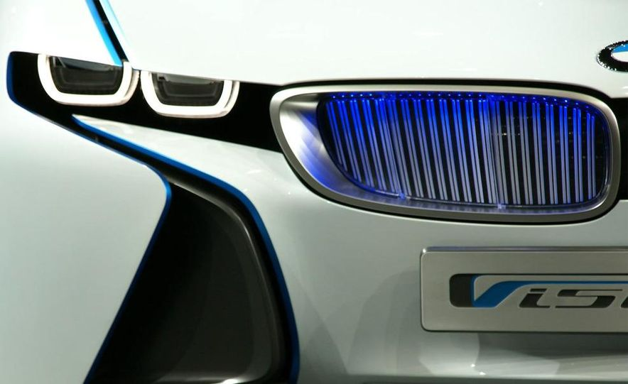 BMW Vision EfficientDynamics Concept - Slide 28
