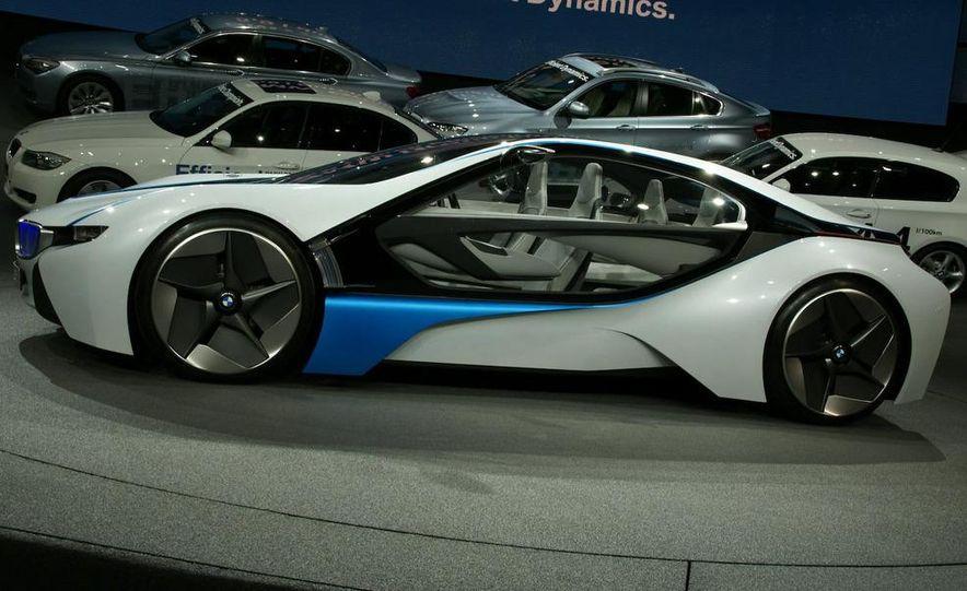 BMW Vision EfficientDynamics Concept - Slide 1