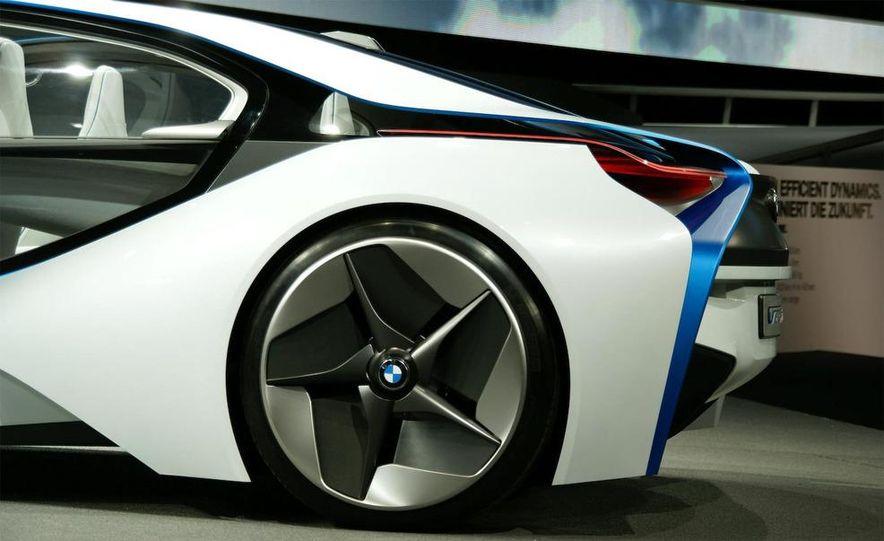 BMW Vision EfficientDynamics Concept - Slide 15