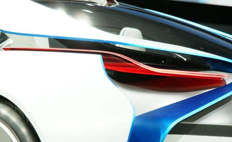 BMW Vision EfficientDynamics Concept - Slide 17