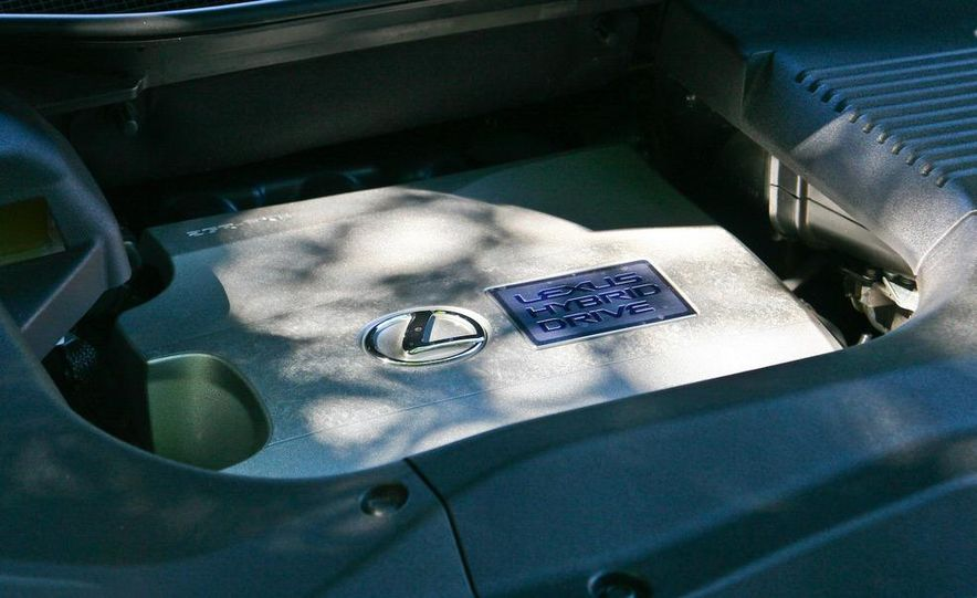 2010 Lexus RX450h - Slide 42