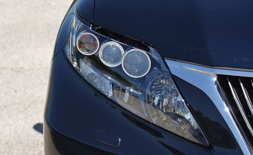 2010 Lexus RX450h - Slide 25