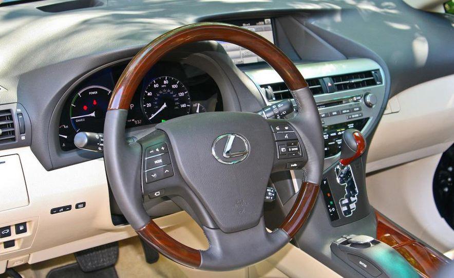 2010 Lexus RX450h - Slide 31