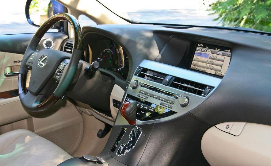 2010 Lexus RX450h - Slide 40
