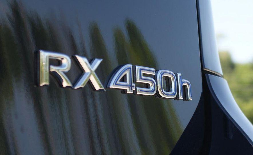 2010 Lexus RX450h - Slide 23