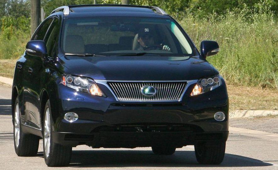 2010 Lexus RX450h - Slide 19