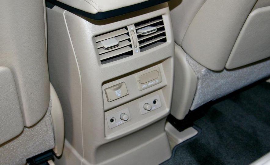 2010 Lexus RX450h - Slide 35