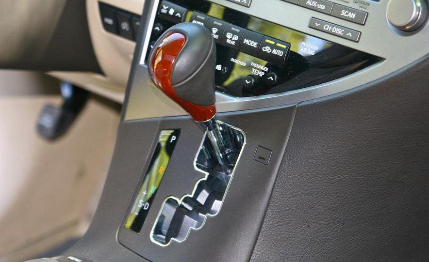 2010 Lexus RX450h - Slide 28
