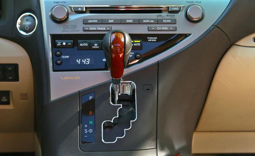 2010 Lexus RX450h - Slide 33