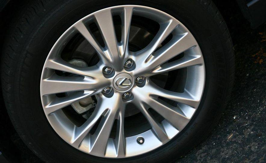 2010 Lexus RX450h - Slide 39