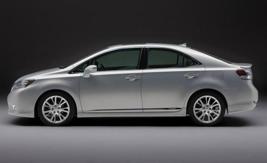 2010 Lexus LS600hL - Slide 3