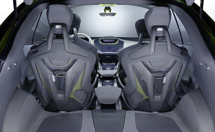 2011 Ford C-Max (Euro spec) - Slide 9