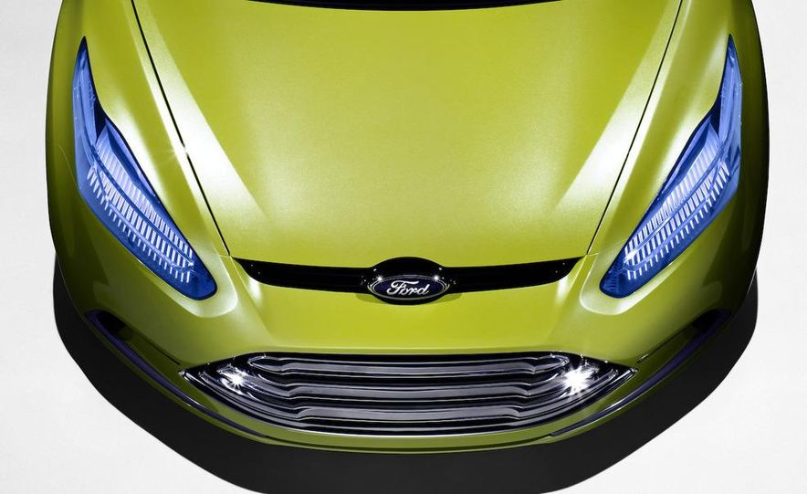 2011 Ford C-Max (Euro spec) - Slide 6