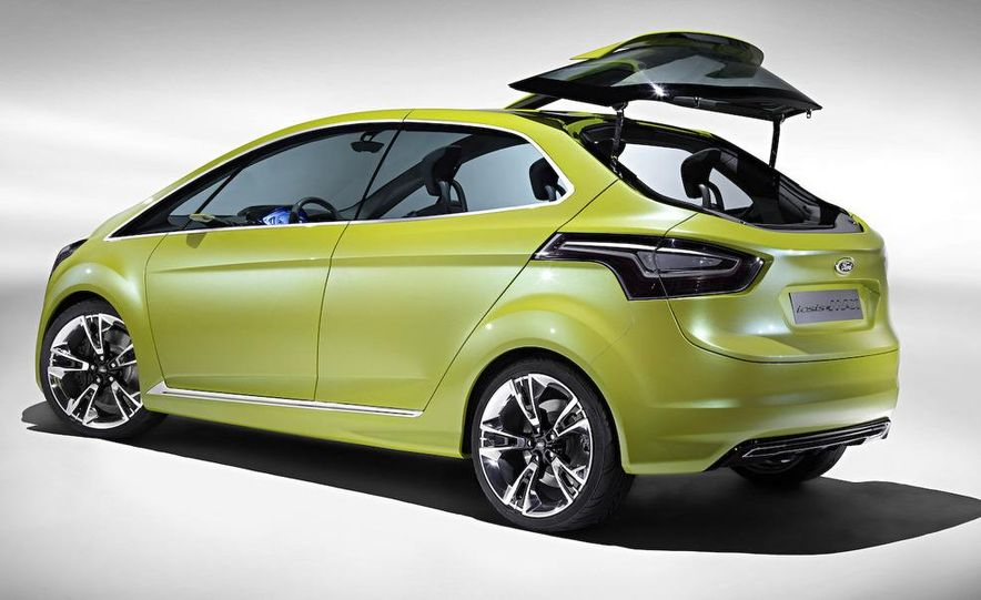 2011 Ford C-Max (Euro spec) - Slide 10