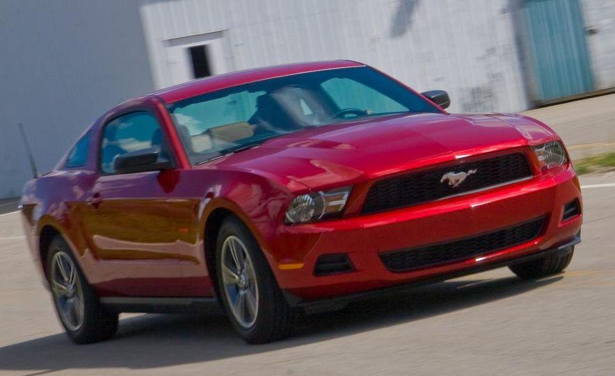 2010 Ford Mustang V-6 - Slide 11