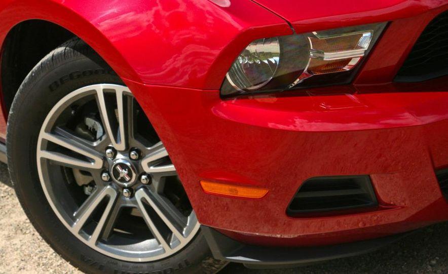 2010 Ford Mustang V-6 - Slide 14