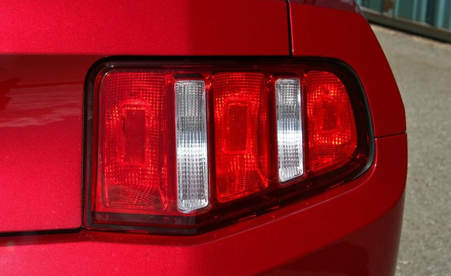 2010 Ford Mustang V-6 - Slide 26