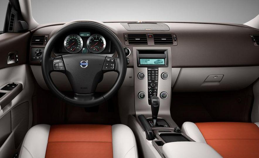 2010 Volvo C30 - Slide 25
