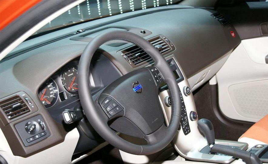 2010 Volvo C30 - Slide 17
