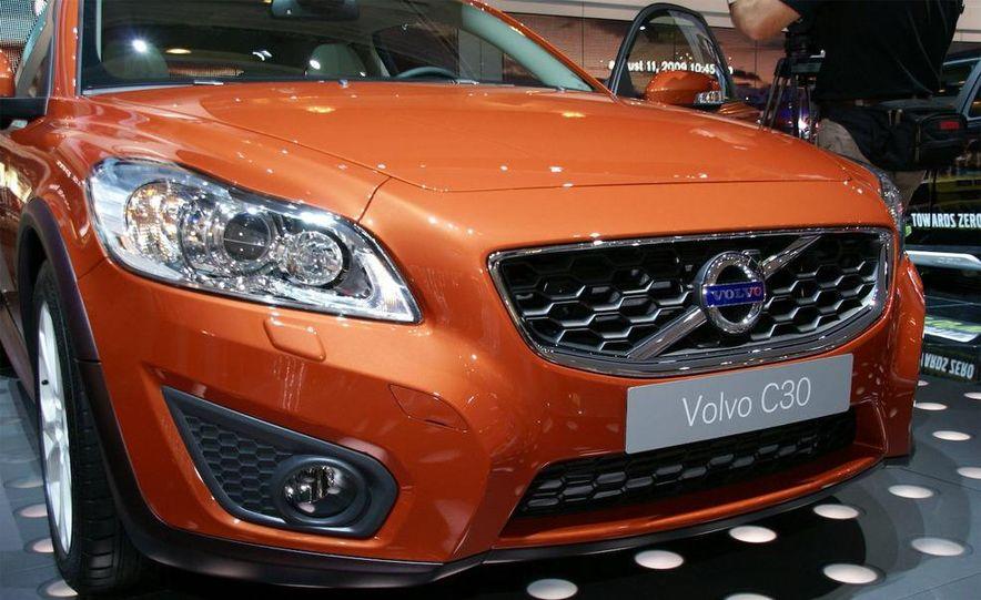 2010 Volvo C30 - Slide 2