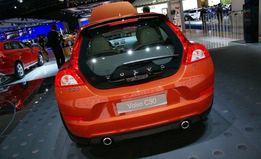 2010 Volvo C30 - Slide 16