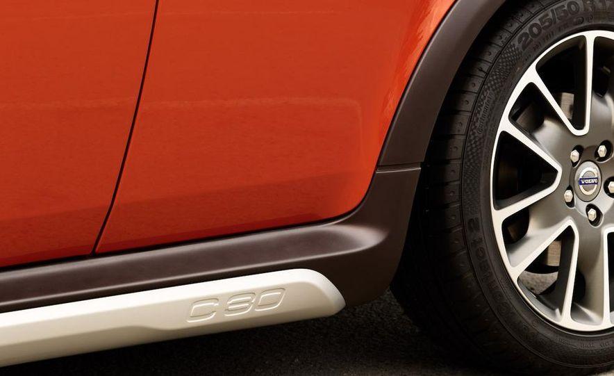 2010 Volvo C30 - Slide 24