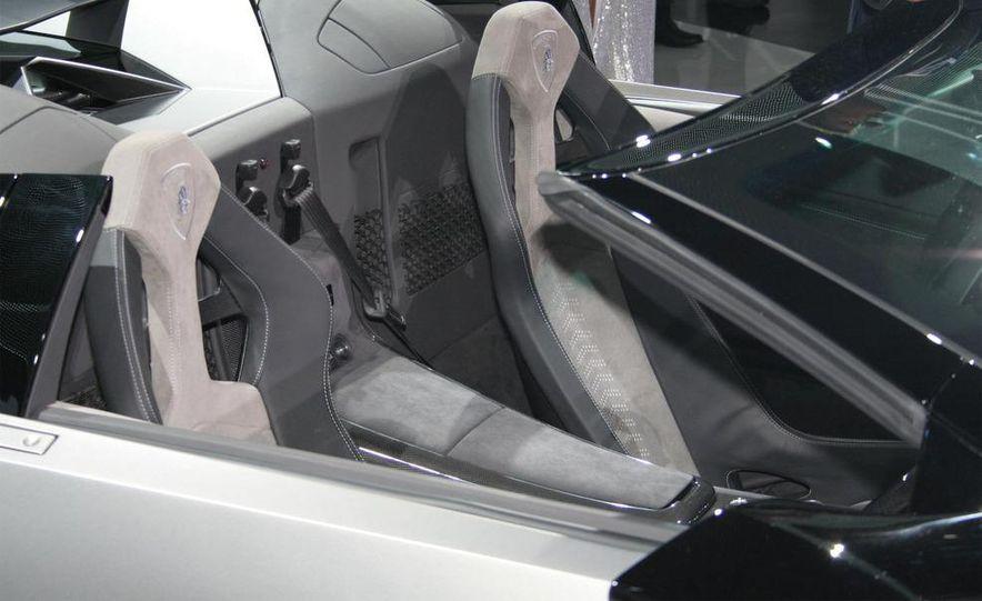 2010 Lamborghini Reventón roadster - Slide 17